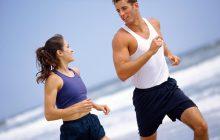 Cinco ejercicios para entrená antes de ir a trabajar.